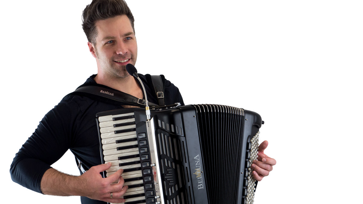 Microphone system TA3000X on an accordion