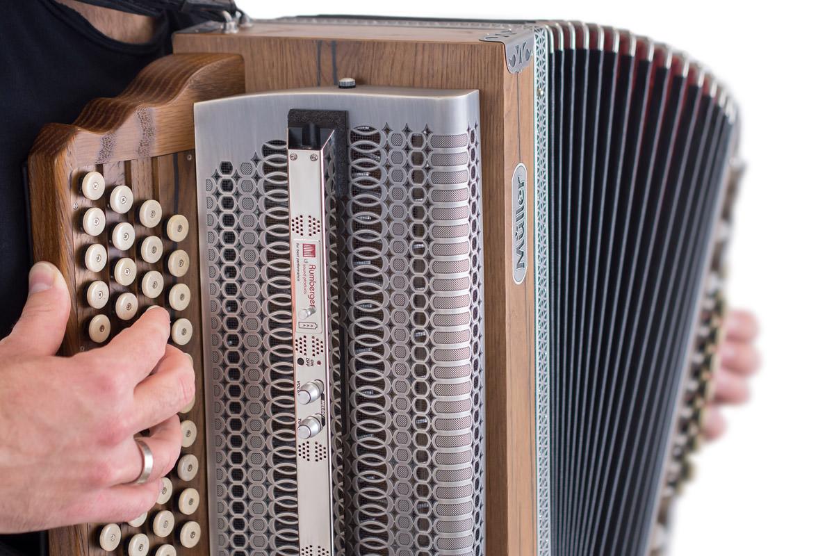 Mikrofon TA3000eco auf Steirischer Harmonika